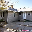 Tucked Away 3 Bdrm Ranch in South Milwaukee - South Milwaukee, WI 53172