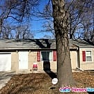 Privacy here & Nicely Refinished Huge... - Kansas City, MO 64134