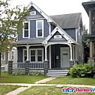 Well maintained 4 bed Victorian in Selby Dale. - Saint Paul, MN 55104