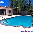 Waterfront 2/1 Pool Home with dock Space - Fort Lauderdale, FL 33315