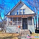 Cozy 2 Bed 1 Bath HOME In N Mpls!! Available NOW! - Minneapolis, MN 55412