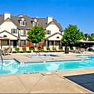 River Oaks Apartments - Kentwood, MI 49512