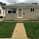 Move in Ready 3bed 1bath with large basement - Lincoln Park, MI 48146