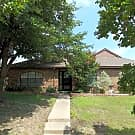 SPACIOUS 3-2-2 WITH 2 LIVING AND 2 DINING! - Rowlett, TX 75089