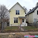 Nice 3 bed 2 bath St Paul listing available... - Saint Paul, MN 55106