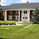 Huntley Square Apartments & Townhomes - Beverly Hills, Michigan 48025