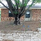 Adorable 2/2 Duplex Close to Weatherford College R - Weatherford, TX 76086