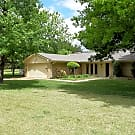 Backyard Oasis just off of Hefner Parkway! - The Village, OK 73120