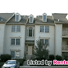 NEW PRICE!Top Floor 2/2 w/Balcony, W/D, Vaulted... - Germantown, MD 20874