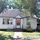 Cozy 2 bedroom 2 bathroom House with Fenced in... - Saint Cloud, MN 56303
