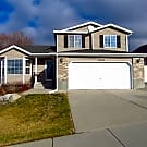 This 5 bedroom 3.5 bath home has 2200 square feet - Draper, UT 84020