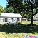 Charming Ranch home - Des Moines, IA 50310
