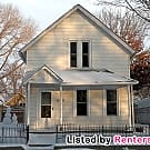 Cute 2 bed w/bonus room & huge garage -... - Minneapolis, MN 55413
