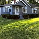Charming 2-Bedroom with large fenced yard - Kansas City, MO 64068
