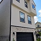 Stunning Town Home in Shady Acres - Houston, TX 77008