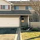 2BR/3BA Town Home! - Rogers, MN 55374