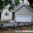Custom 3 Bed 2 Bath in the Heart of Hampstead - Hampstead, MD 21074