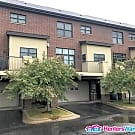Spacious 2BED/2.5BATH Townhome Close To The U of M - Minneapolis, MN 55414