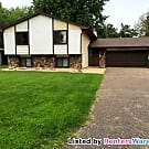 Large, Refurbished 5 Bedroom Home in Brooklyn... - Brooklyn Center, MN 55430
