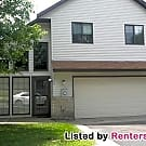 Spacious 3BED/2BATH End Unit Townhome in... - Stillwater, MN 55082