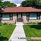 Classic 2 Bed 1 Bath Side by Side Available... - Minneapolis, MN 55417