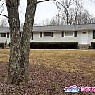 Clean Ridgetop Home - 20min from Downtown... - Goodlettsville, TN 37072