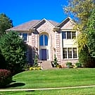 Large 5BR/3.5BA Single Family House in Lake Forest - Louisville, KY 40245