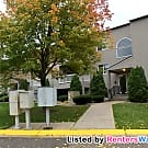 Clean 2 bedroom garden level condo available now! - Maplewood, MN 55119