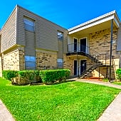Exterior View at the Fox Trail Apartments in Shreveport, LA