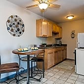 Cozy Kitchen with fun Eat-In area