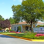 Riverwoods Apartments of Fredericksburg