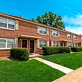 Welcome Home to Merrimack Landing Apartments!