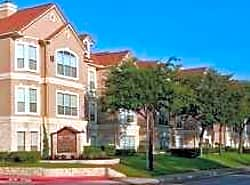 San Raphael Apartment Homes