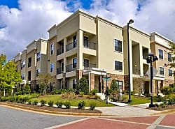 Terraces at Suwanee Gateway