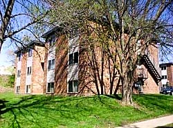 Emerald Court Apartments