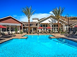 Sendero Gateway Apartment Homes