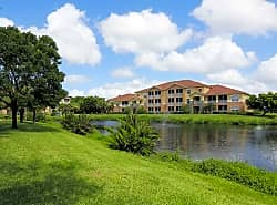 The Lakes At College Pointe