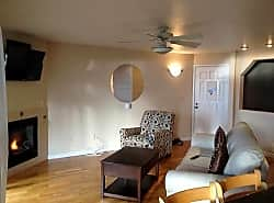 Furnished 2-Bedroom Condo at Balboa Ave & Cabrillo St Capitola