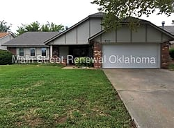 8312 NW 112th St  Oklahoma City  OK  73162  UnitedHouses   Homes for Rent in Oklahoma City  OK. Oklahoma City Lofts For Rent. Home Design Ideas