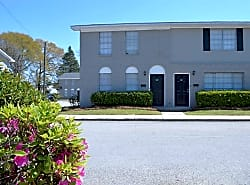 Foxwood Townhome Apartments