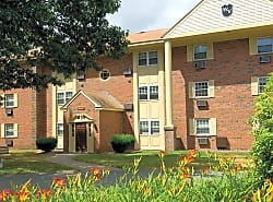 Wexford Village Apartments
