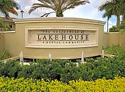 Residences at Lakehouse