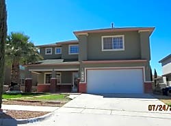 WEST: 3 bed / 2.5 bath REFRIGERATED A/C!