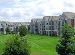 Foxwood Apartments & The Hermitage Townhomes