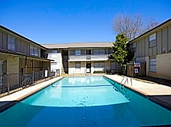 University Courtyards Apartments-Nacogdoches