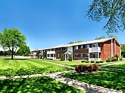Lake Grove Apartments