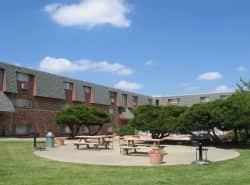 Coachlight Plaza