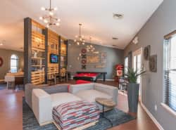 Oak Lake Apartments