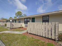 Palm Harbor Villas Apartments