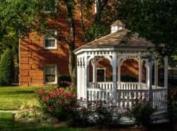Aquahart Manor
